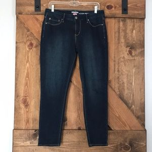 NWOT Levi's Denizen Jeans